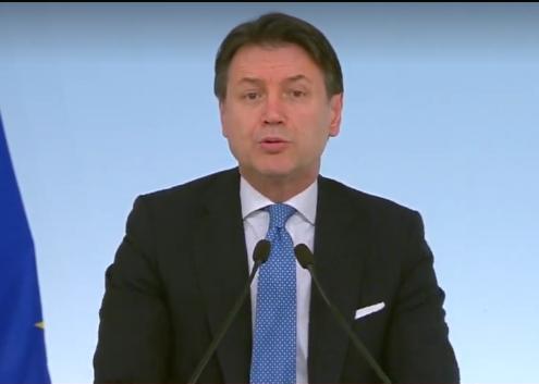 Oficial: los juegos italianos nacionales están suspendidos, pero los juegos europeos se pueden jugar vacíos